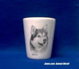 alaskan malamute shot glass