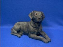 black lab figurine sandicast