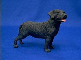 black labrador sandicast figurine