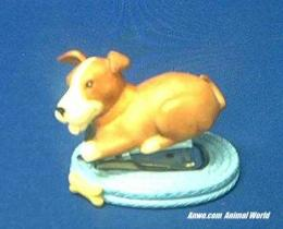 beagle dog stapler figurine