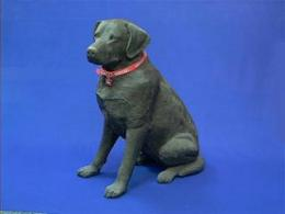 black lab figurine lifesize