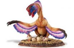 oviraptor on nest toy