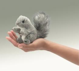 squirrel finger puppet