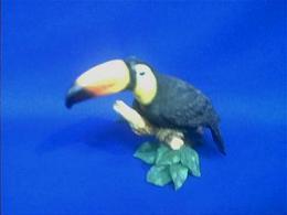 toucan figurine
